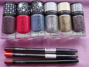 NAILPAINT - 626-kind of pink, 625 mysterious mauve, 627- denim delight. LIP LINER - 002, 005, 003