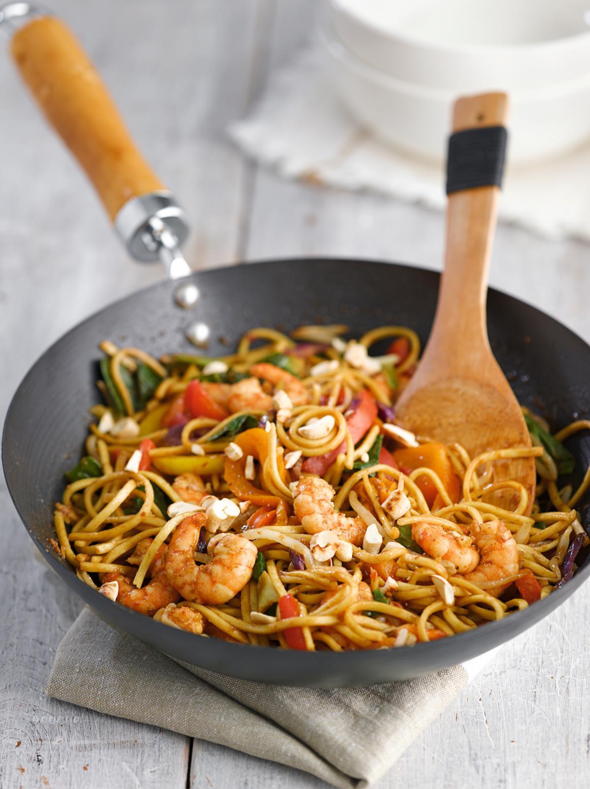 Healthy king prawn chow mein