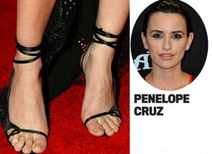 422_1203_celebrities-with-ugly-feet_1001