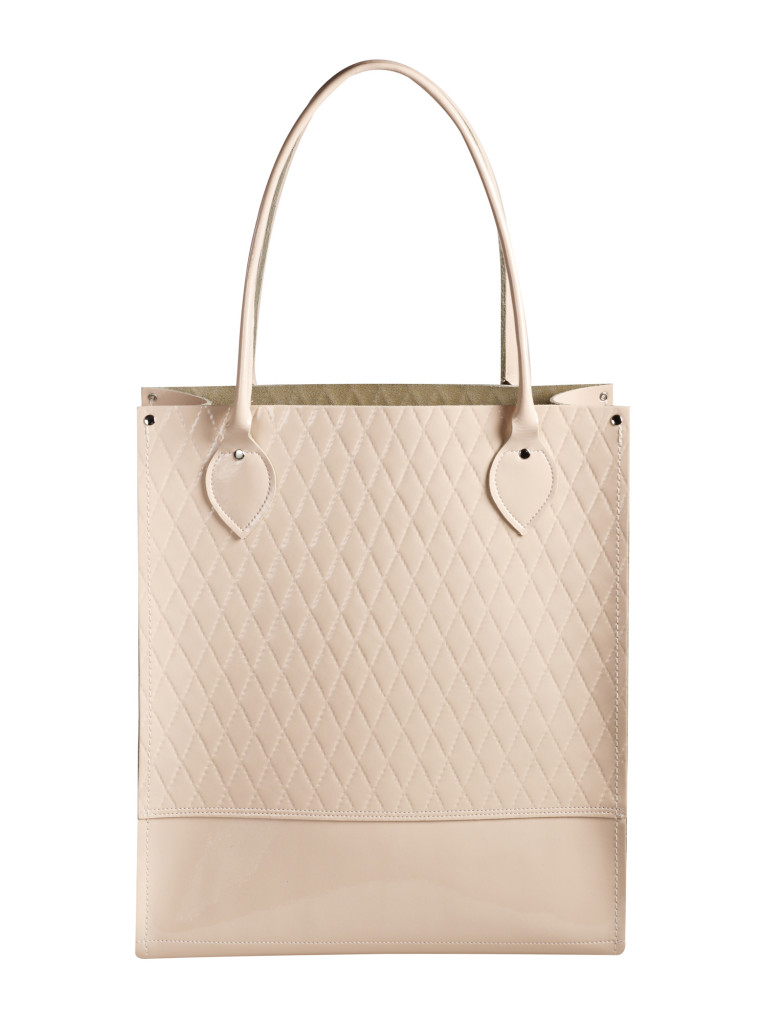 QuiltedTote_Nude_Straight_Clipped