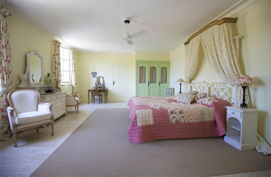 Clos des Roses Bedroom
