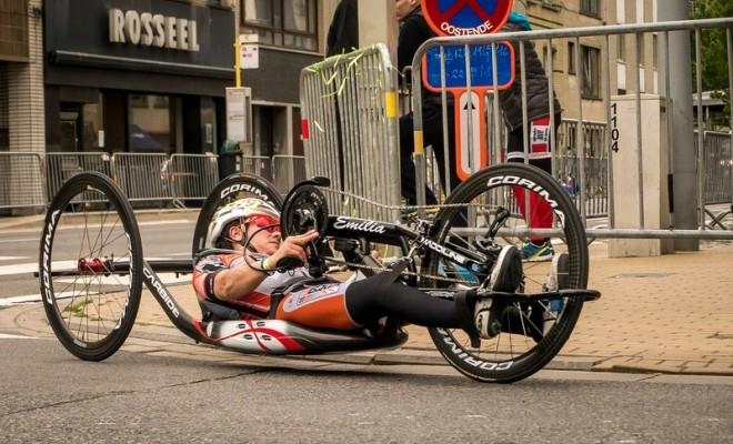 cyclist-1415063_1280